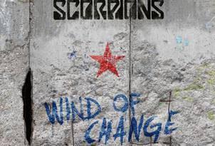 Die SCORPIONS veröffentlichen exklusives Box-Set zum 30. Jubiläum der Mauerfall-Hymne